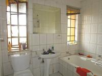Bathroom 1 - 5 square meters of property in Dawn Park