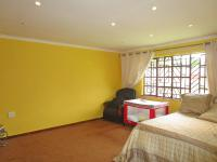 Main Bedroom - 26 square meters of property in Dawn Park
