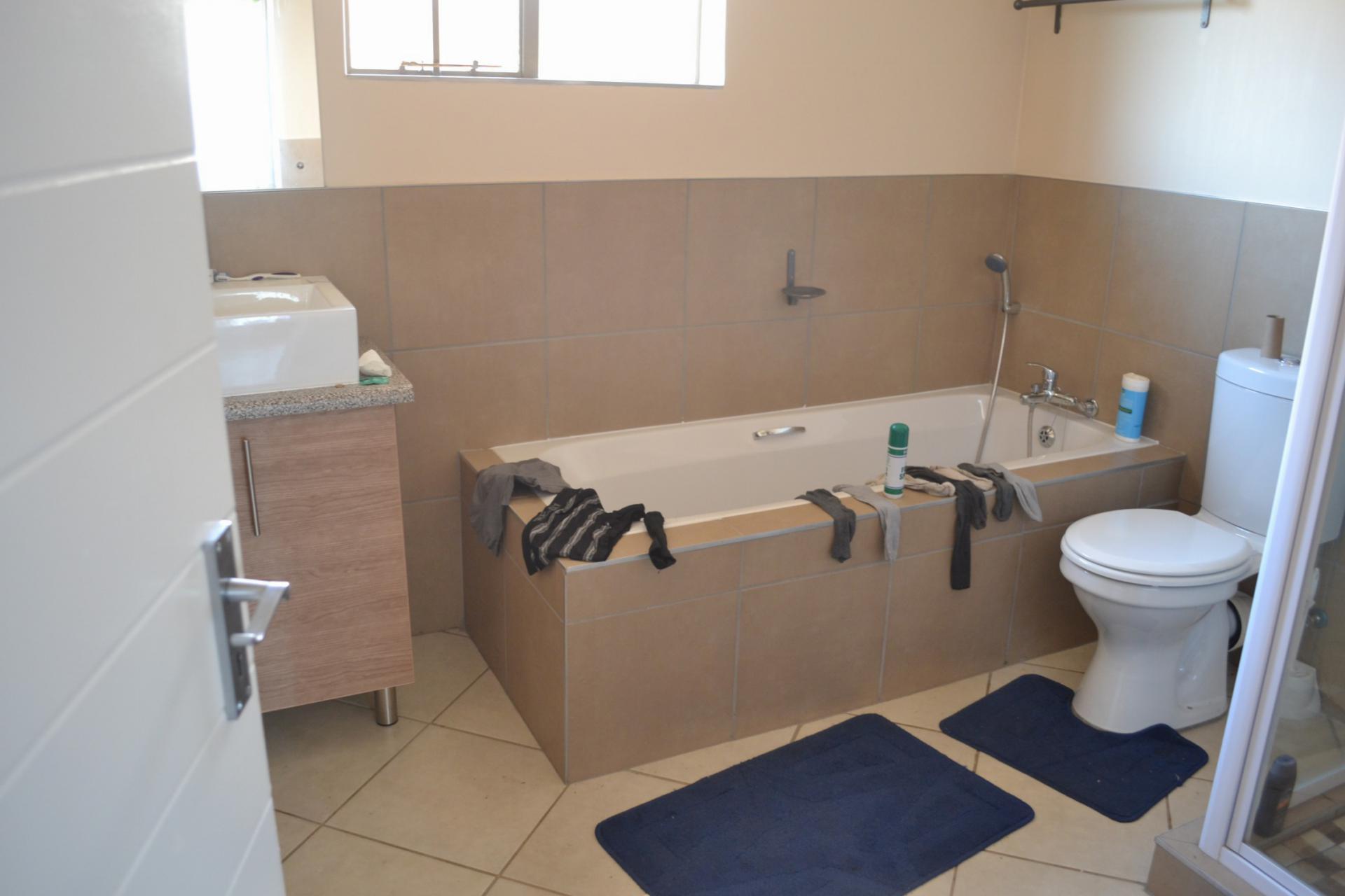 3 bedroom simplex for sale for sale in sagewood home for Bathroom designs gauteng