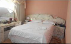 Main Bedroom - 13 square meters of property in Ridgeway