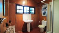Bathroom 1 - 6 square meters of property in Pumulani AH
