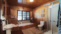 Bathroom 2 - 12 square meters of property in Pumulani AH