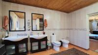 Main Bathroom - 19 square meters of property in Pumulani AH