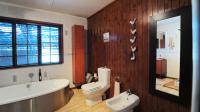 Bathroom 3+ - 11 square meters of property in Pumulani AH