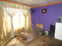 Bed Room 1 - 13 square meters of property in Vosloorus