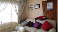 Lounges - 9 square meters of property in Ebony Park