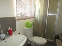 Main Bathroom - 7 square meters of property in Cosmo City
