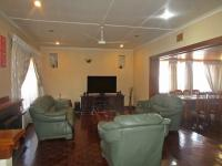 Lounges - 51 square meters of property in Moffat View