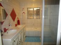 Bathroom 1 - 8 square meters of property in Moffat View