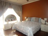 Main Bedroom - 20 square meters of property in Moffat View