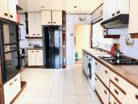 Kitchen - 24 square meters of property in Moffat View
