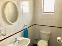 Guest Toilet - 4 square meters of property in Moffat View
