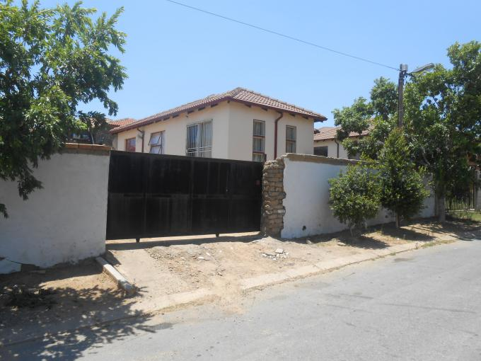 Standard Bank EasySell House for Sale For Sale in Cosmo City - MR158327