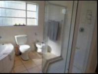 Main Bathroom of property in Horison View