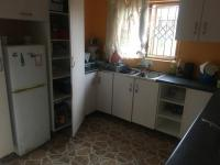 Kitchen - 11 square meters of property in Lovu