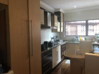 Kitchen of property in Alan Manor