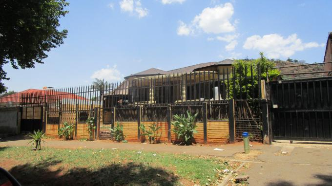 Standard Bank EasySell 3 Bedroom House for Sale For Sale in Bezuidenhout Valley - MR159026