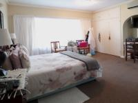 Main Bedroom - 26 square meters of property in Waterkloof Glen