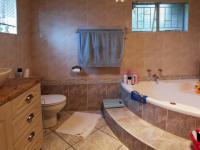 Main Bathroom - 9 square meters of property in Waterkloof Glen