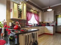 Kitchen - 19 square meters of property in Olympus
