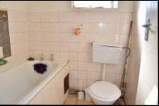 Main Bathroom - 3 square meters of property in Pietermaritzburg (KZN)