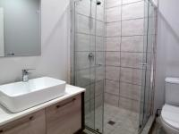 Bathroom 2 - 4 square meters of property in Waterkloof Glen