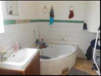 Bathroom 1 - 10 square meters of property in Rosettenville