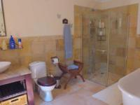 Bathroom 1 - 11 square meters of property in Hilton