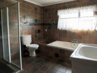 Main Bathroom - 10 square meters of property in Newlands