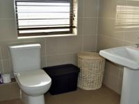 Bathroom 1 - 11 square meters of property in Celtisdal