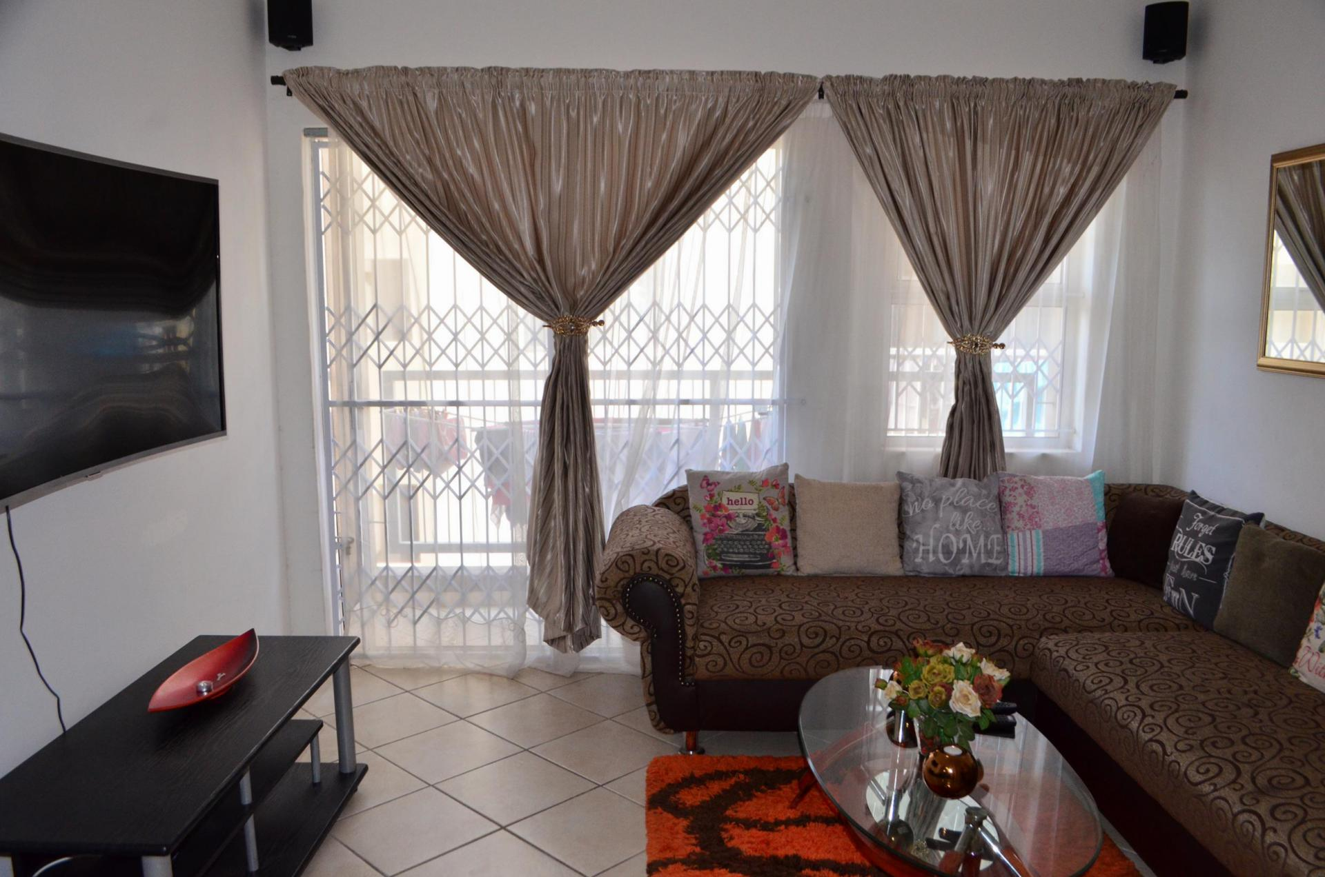 2 Bedroom Apartment For Sale For Sale In Chatsworth Kzn