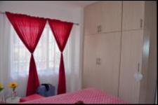 Bed Room 1 - 12 square meters of property in Chatsworth - KZN