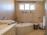 Bathroom 1 of property in Boardwalk Manor Estate
