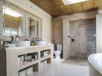 Main Bathroom of property in Boardwalk Manor Estate