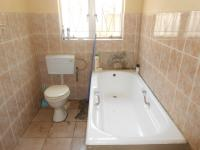 Bathroom 2 - 6 square meters of property in Weltevreden Park