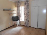 Bed Room 3 - 11 square meters of property in Weltevreden Park