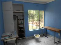 Bed Room 4 - 11 square meters of property in Weltevreden Park