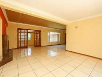 Spaces - 17 square meters of property in Weltevreden Park