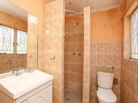 Bathroom 1 - 5 square meters of property in Weltevreden Park