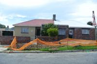 2 Bedroom 1 Bathroom House for Sale for sale in Port Elizabeth Central