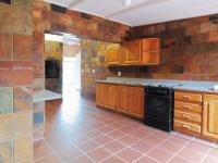 Kitchen - 22 square meters of property in Faerie Glen