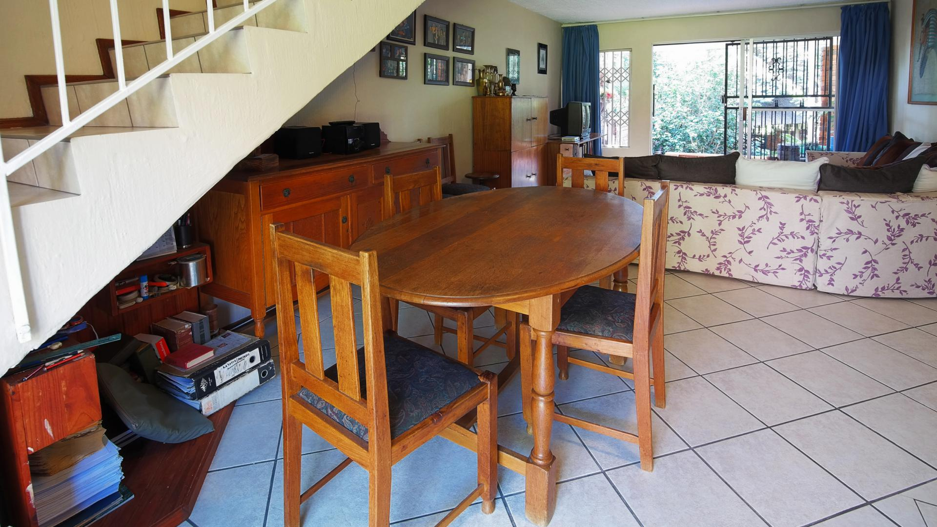 Dining Room - 14 square meters of property in Constantia Glen