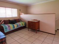 Lounges - 36 square meters of property in Constantia Glen