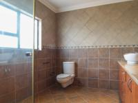 Bathroom 3+ - 10 square meters of property in The Wilds Estate