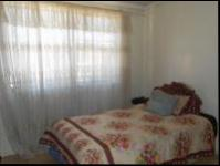 Bed Room 1 - 9 square meters of property in Klipspruit West