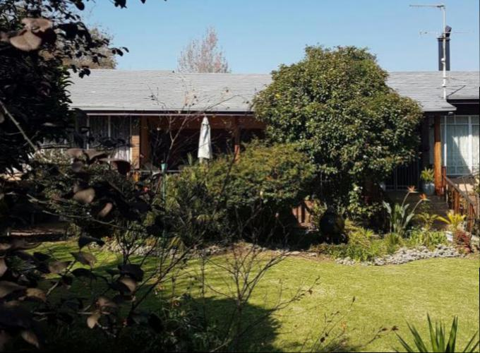 Absa Bank Trust Property House for Sale For Sale in Ermelo - MR160473