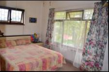 Main Bedroom - 17 square meters of property in Yellowwood Park
