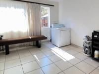 Bed Room 1 - 19 square meters of property in Garsfontein
