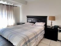 Main Bedroom - 15 square meters of property in Garsfontein