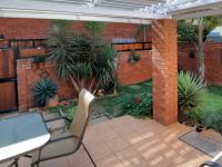 Patio - 9 square meters of property in Garsfontein
